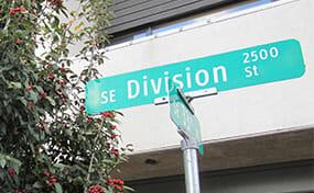 SE Division street sign